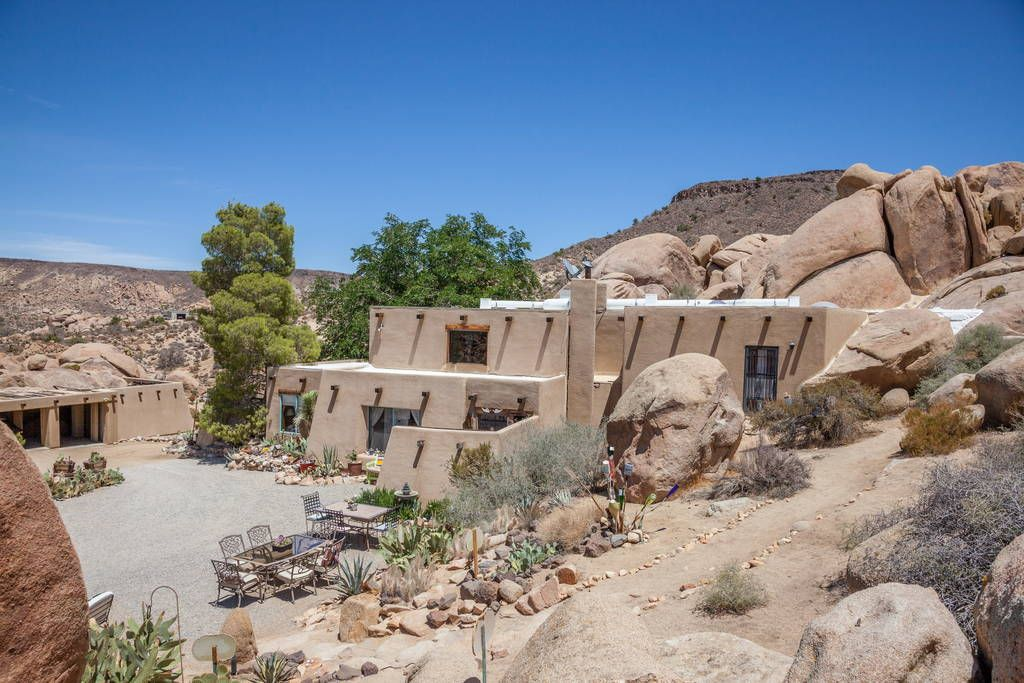 Check out this awesome listing on Airbnb Boulders Outside