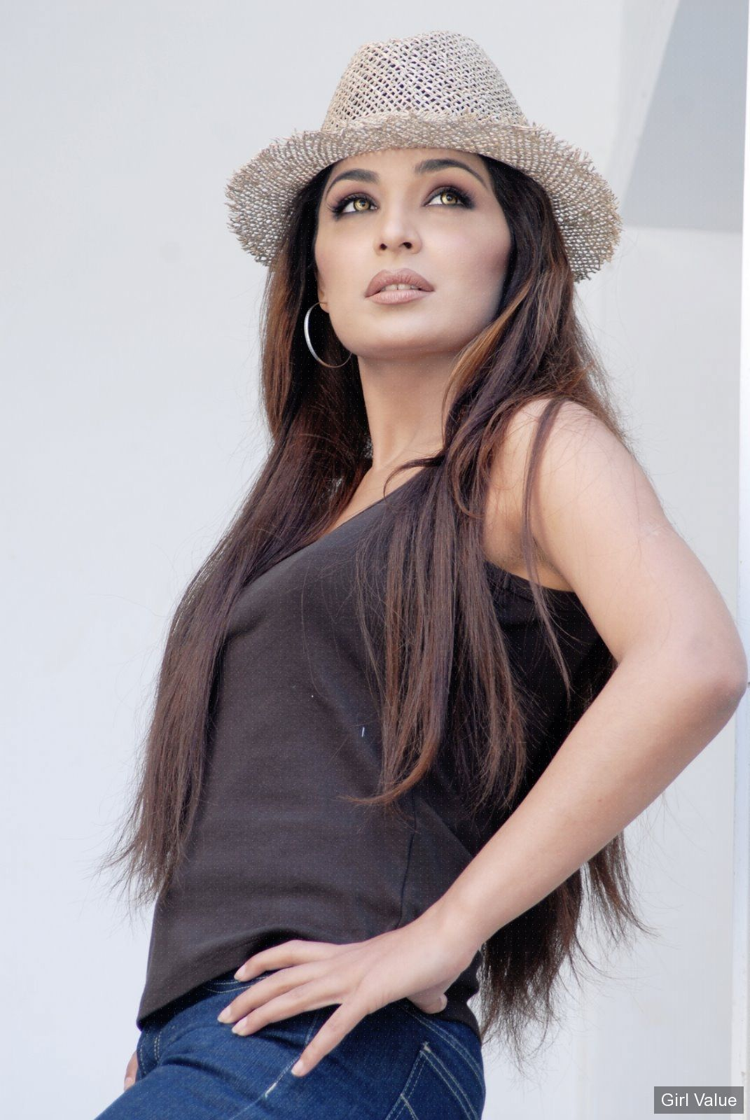 Token7180 Meera Khan Pakistani Actress