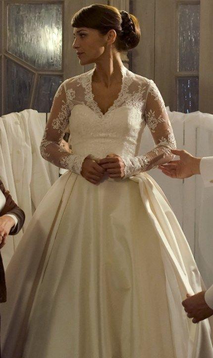 """los parecidos """"reales"""" del vestido de novia """"velvet""""   moda en serie"""