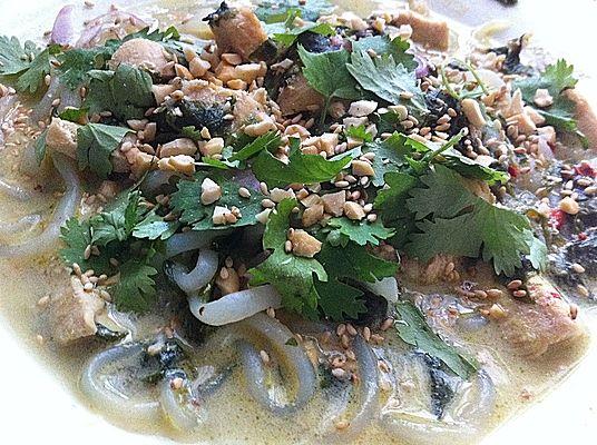 Platz 22: Thai Suppe mit Glasnudeln, Spinat und Hühnchen