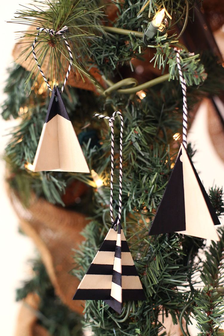 Diy Tree Ornaments Kristi Murphy Diy Blog Scandinavian Christmas Trees Christmas Tree Decorations Diy Tree Ornaments