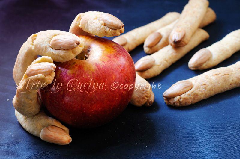 Dita della strega ricetta dolci halloween   Recette   Pinterest