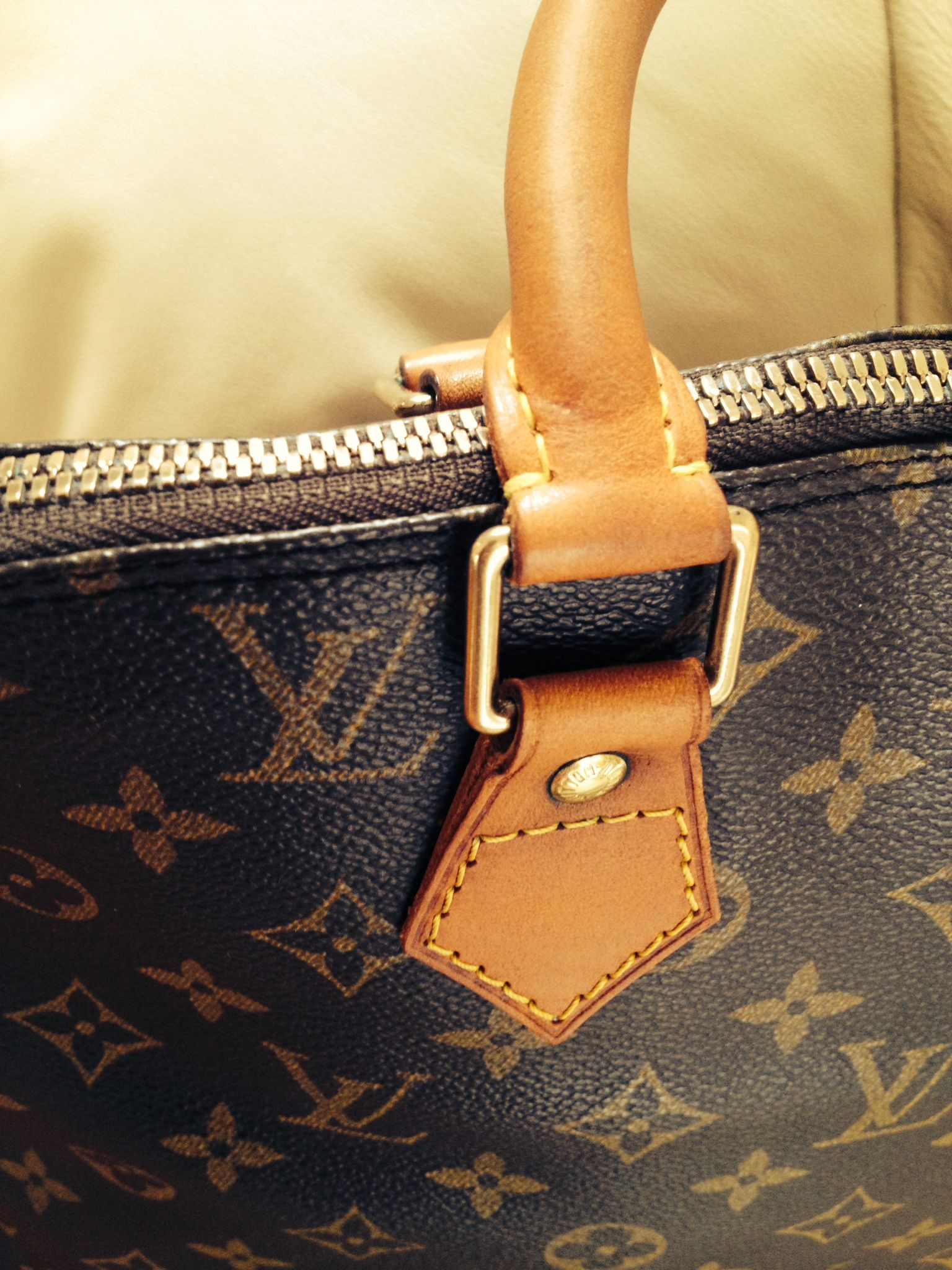 7affe0ea5 Good advise for cleaning many other handbags. How to Refurbish a Louis  Vuitton Bag | Lollipuff