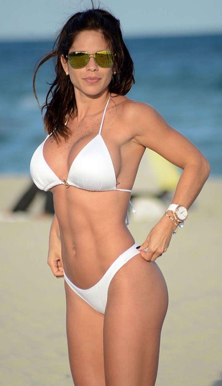Bikini Michelle Lewin nude (41 photos), Sexy, Bikini, Boobs, in bikini 2019