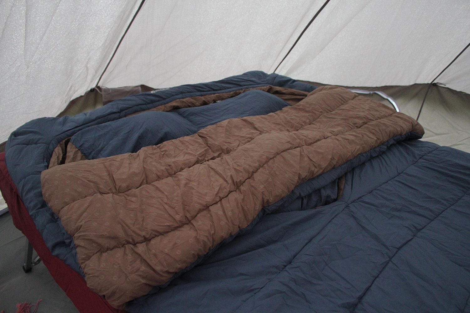 New for 2019 Outwell Camper Lux Double Isofill Luxury Sleeping Bag