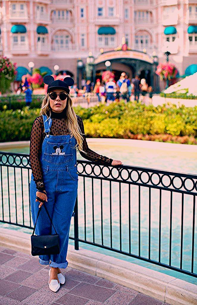 Photo of We Love How This Fashion Blogger Re-Invents Vintage Disney Pieces