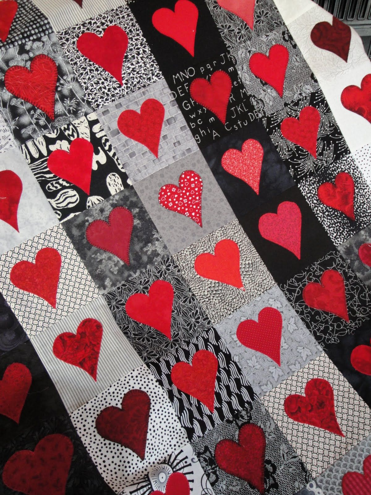 heart Quilt Pattern Free   scrappy heart quilt by cindy carter at carter quilter there