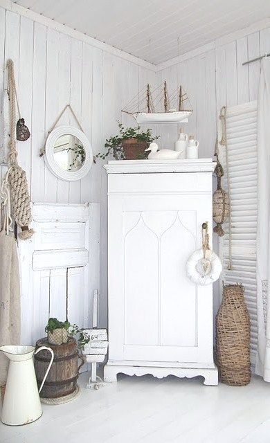 Cottage d cor shabby chic white by amy claire beach - Gartenhaus shabby chic ...