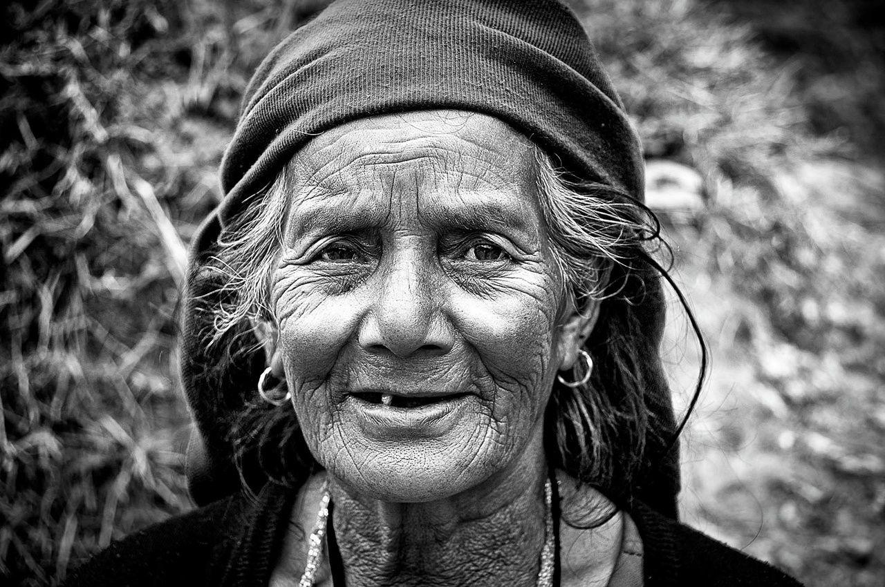 Freesia سر الجد السابع Old Faces Old Women Mother Courage