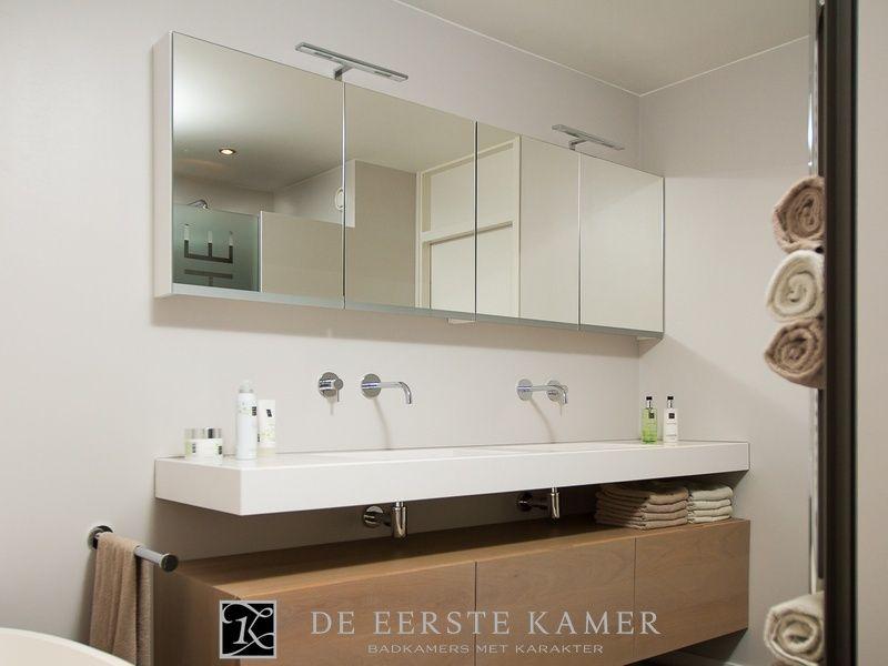 Houten Onderkast Badkamer : De eerste kamer een stijlvol badkamermeubel met een strak