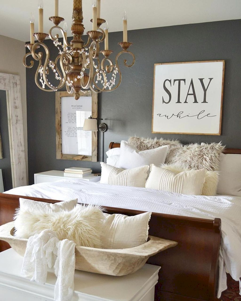 35+ Awesome Farmhouse Bedroom Design and Decor Ideas images