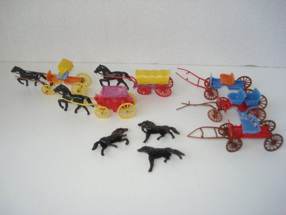 Kinder Egg Toys Set Of Wagons And Horses By Ladybumblevintage U Ei Figuren U Ei Figur