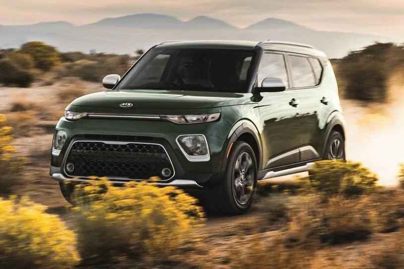 كيا سول 2021 الجديدة هي واحدة من أفضل سيارات الدفع الرباعي الصغيرة لدينا إنها تأتي بمقصورة واسعة ومريحة وتكنولوجيا سهلة الإسخدام ولكنها ليست In 2020 Kia Sport Cars Car