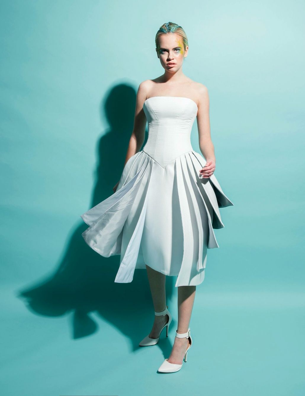 White strapless layers dress with gray gradient lining. Photography ...