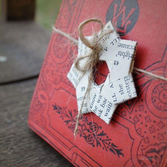 Vintage paper folded stars Text. Gift decoration. 2.3 door ShePinTea