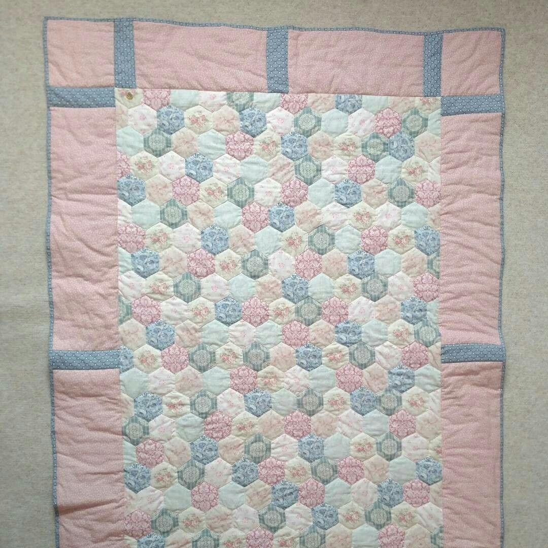 Baby quilt blanket patchwork  https://mushroomservice.wordpress.com/2017/04/19/habyquiltblanket/