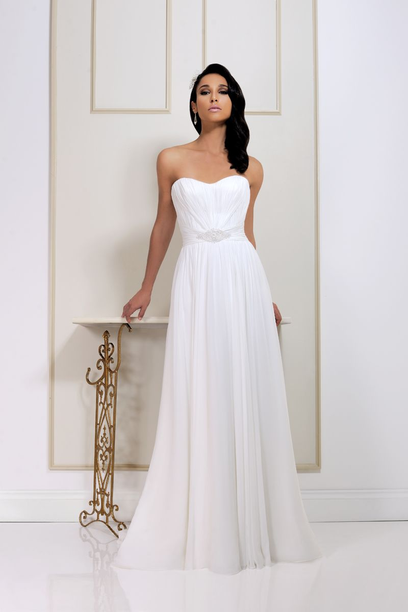 This Beautiful Strapless Soft Chiffon 2562 Gown By Benjamin Roberts Is Perfect For A Country Theme Wedding
