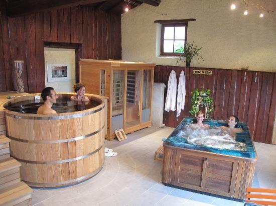 Chambres d 39 hotes bien etre marchampt piscine sauna spa - Chambre d hote massage tantrique ...