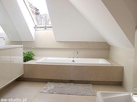 Łazienka na poddaszu - wanna bathroom (attic) Pinterest Attic - Design Bathroom