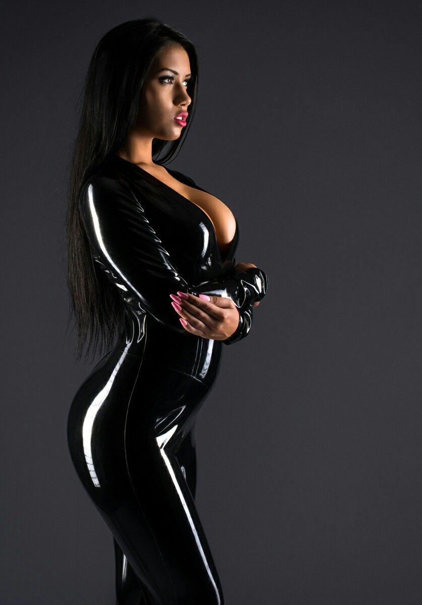 Sexxy latex rubber