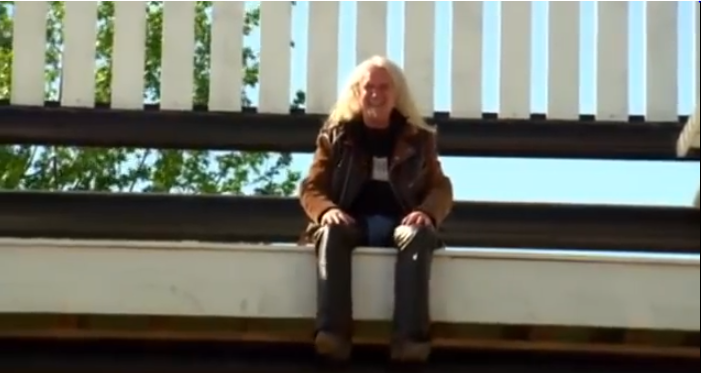 Sensational Billy Connolly Worlds Biggest Rocking Chair Route 66 Alphanode Cool Chair Designs And Ideas Alphanodeonline