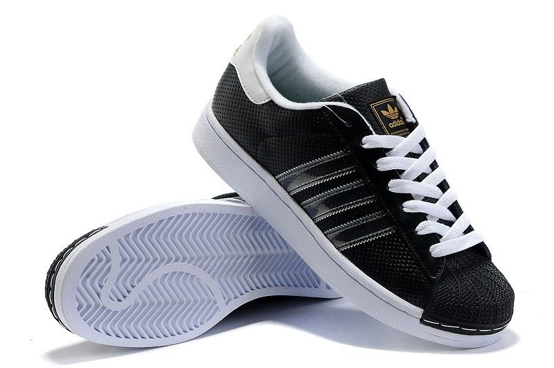 Adidas Originals Superstar 2 Trainers in White and Black Urban