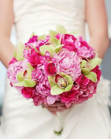 pink green bouquet. @Courtney Baker Baker Baker Silverstein this is pretty!