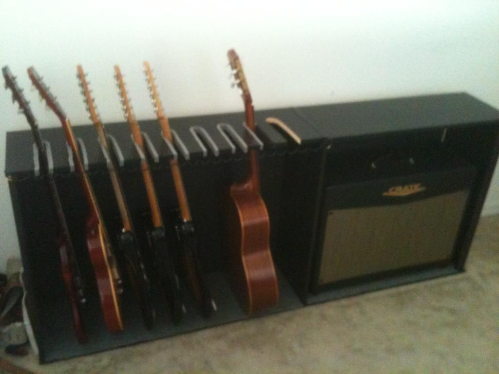 cheap diy guitar rack amp case the gear page diy projects in 2019 rangement guitare diy. Black Bedroom Furniture Sets. Home Design Ideas