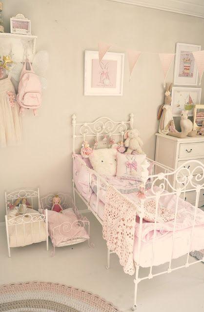Kaunis Pieni Elama Shabby Chic Girls Bedroom Woman Bedroom Girls Bedroom Sets