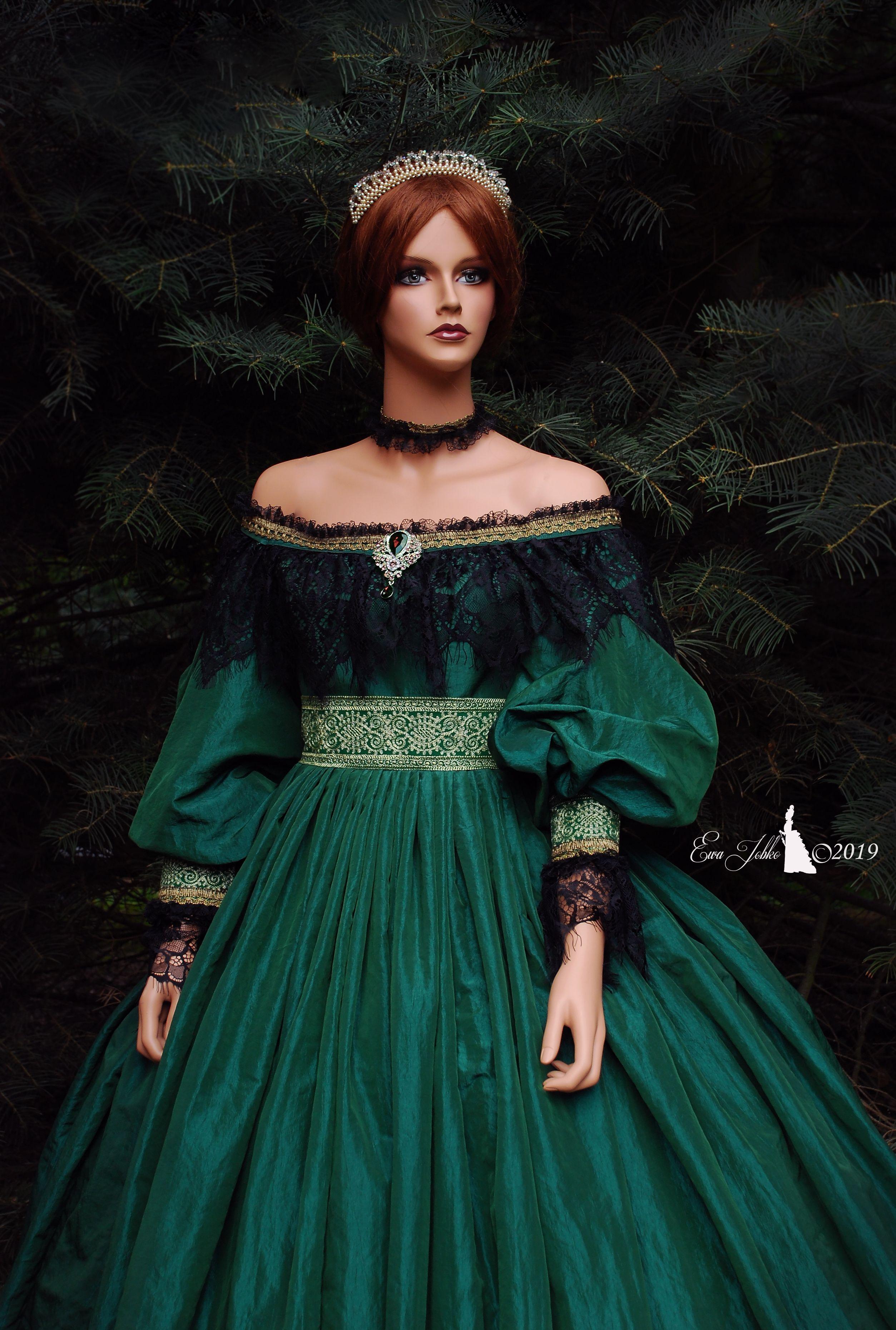 Dress Queen Victoria Historical Victorian Dress In 2021 Queen Dress Fairytale Dress Dresses [ 3721 x 2507 Pixel ]