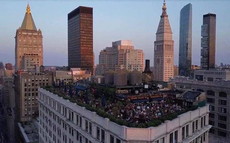 230 Fifth New York Famous Rooftop Bar With Sunday Brunch Option