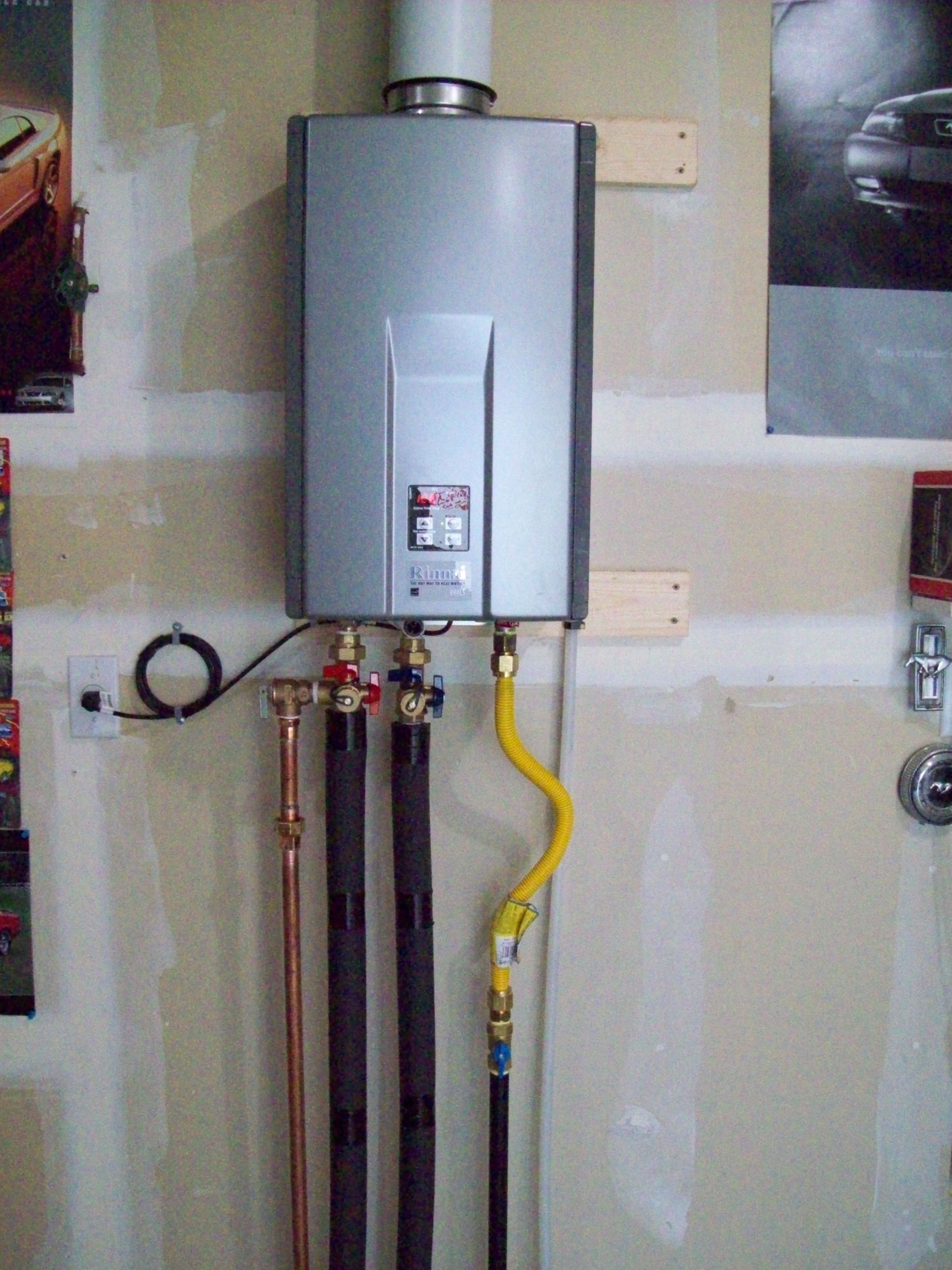 Fresco Of Tankless Water Heater Advantages For Your Consideration Tankless Water Heater Water Heater Plumbing