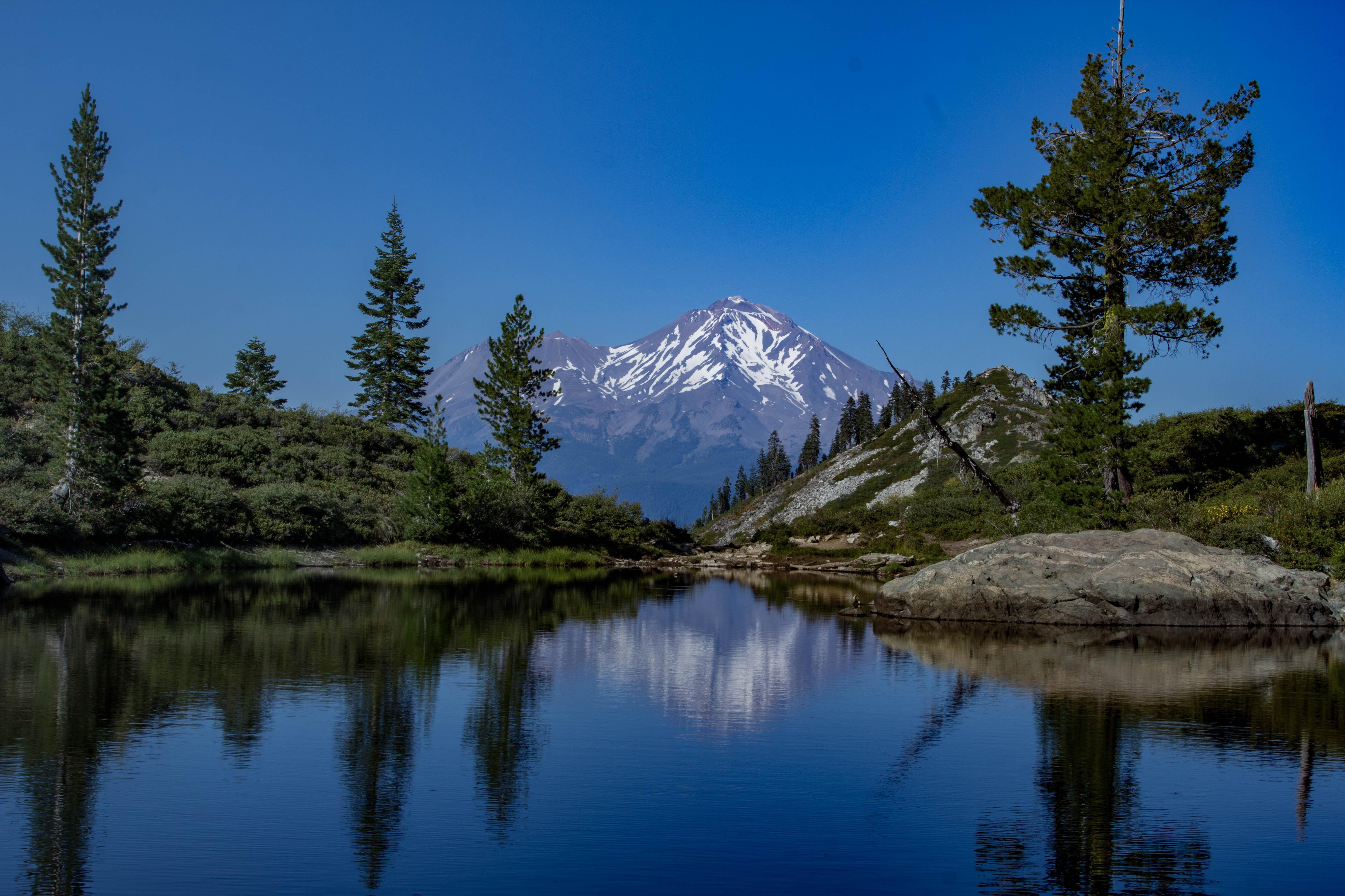 Heart Lake overlooking Mt. Shasta [OC] [5184  3456]