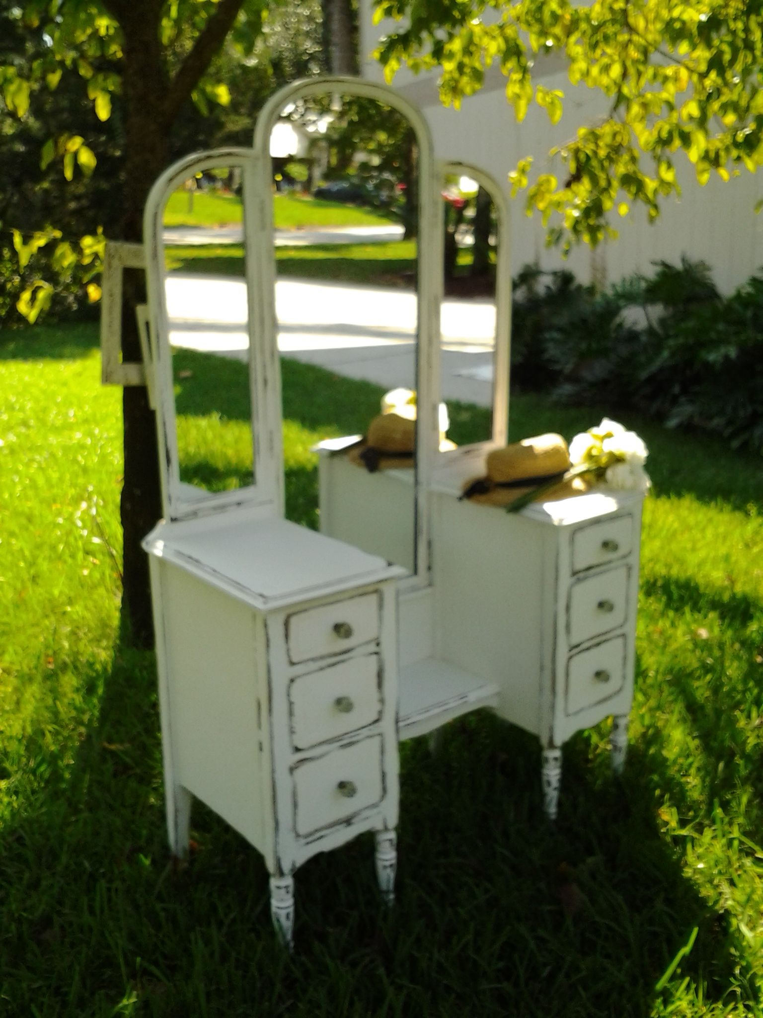 Painted Vanity Furniture: Antique Vanity Painted And Distressed