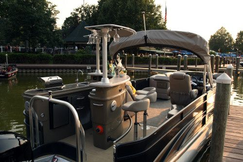 Pontoon For Entertaining With Bar And Grill Boat Pinterest