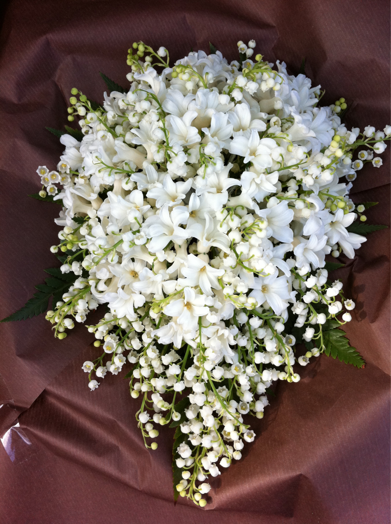 Bl00ming Fl0wers Our Version Of Kate Middletons White Wedding Bouquets Bridal Bouquet Flower Bouquet Wedding