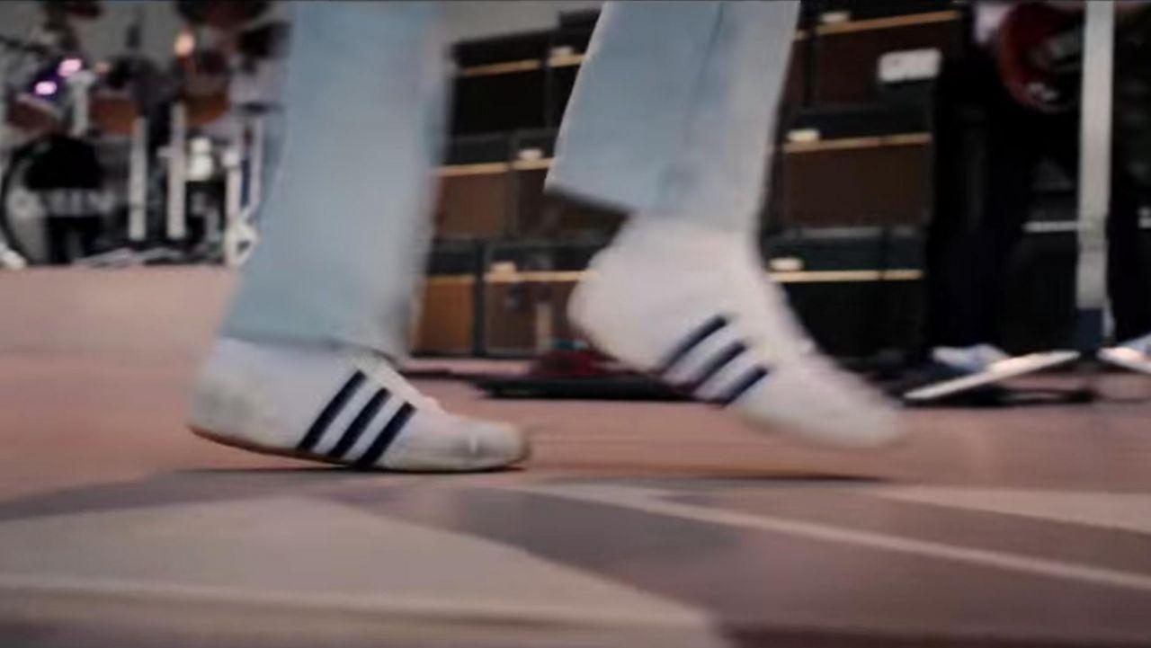 linda suave y ligero Venta caliente genuino Sneakers Adidas samba vintage Freddie Mercury (Rami Malek) in ...
