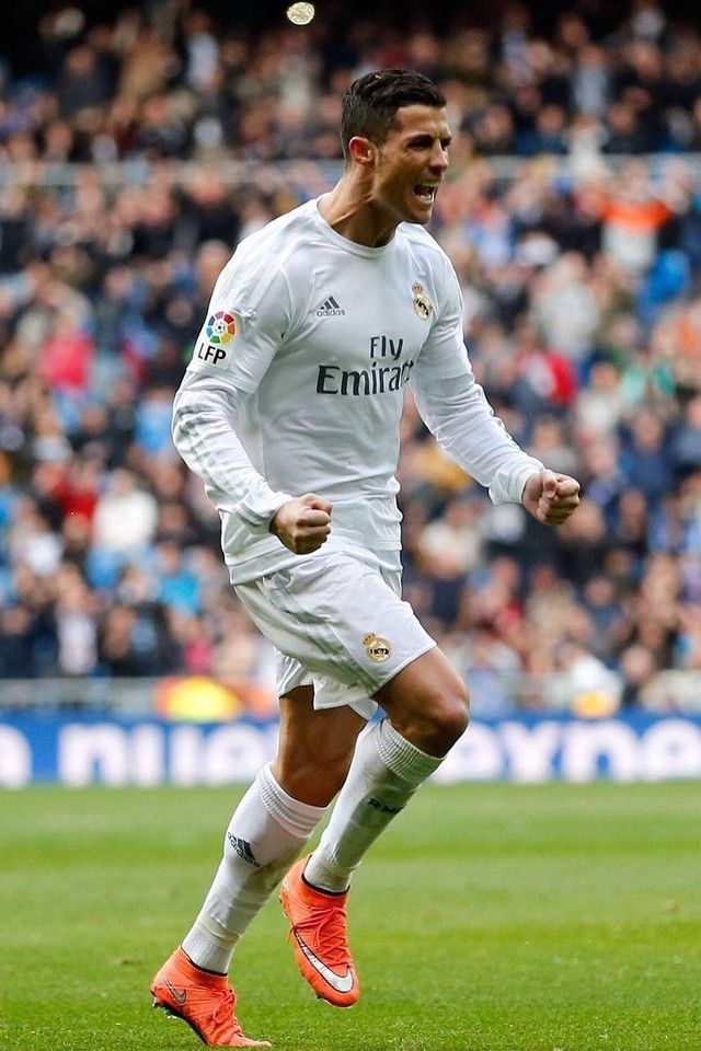 a55fa0c19 Cristiano Ronaldo wearing Adidas Official Real Madrid Home Shorts 2015 16