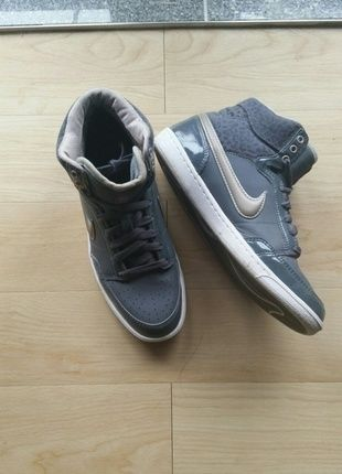 Halbhohe Nike Sneakers Gr. 39 | lll MUST HAVES lll