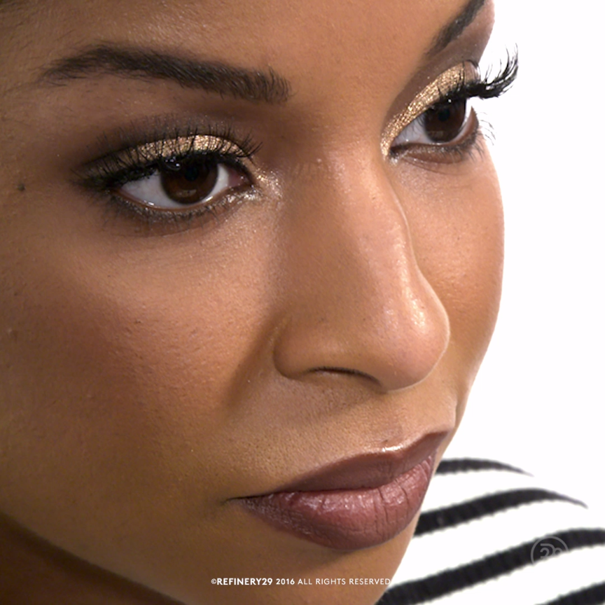Photo of How to: Apply false lashes like a beauty pro