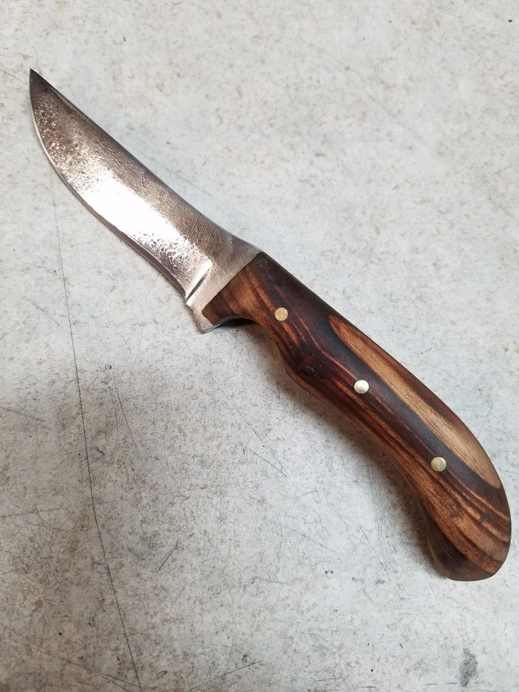 Blade Is 1084 Steel And The Handle Is Made From Goncalo Alves Wood Blade Knife Steel