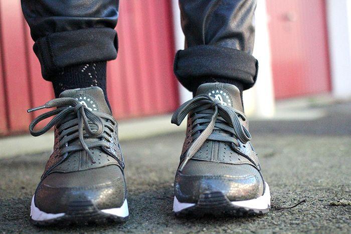 Nike Huarache // Sneakers Kaki