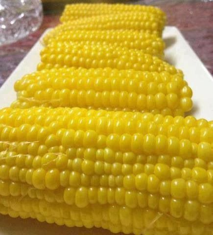 ذرة مسلوقة boiled corns, commonly made at this time of the year in Palestine