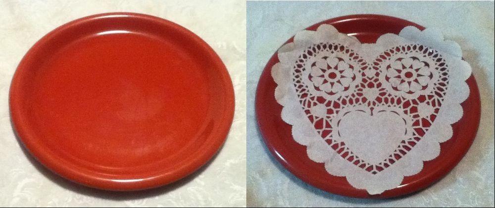 10\  Mardi Gras Love Crown Corning JAPAN Ceramic Red Dinner Plate Dish HeartDoily & 10\