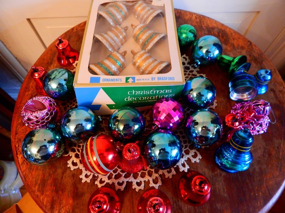 Vintage Unbreakable Plastic Christmas Ornaments Bell Box Bradford Shiny Brite Christmas Ornaments Ornaments Christmas Bulbs