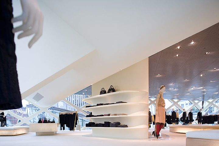 Prada store by Herzog and De MeuronTokyo 03