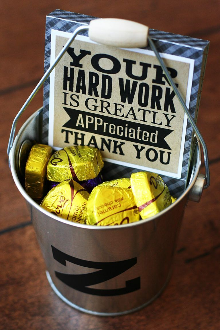 15 Teacher Appreciation Gifts for Men - 24/7 Moms #custodianappreciationgifts