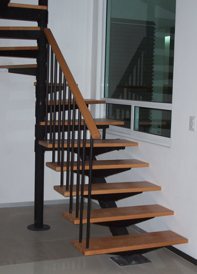 Escaleras exteriores de madera cool escaleras de madera for Escalera madera sodimac