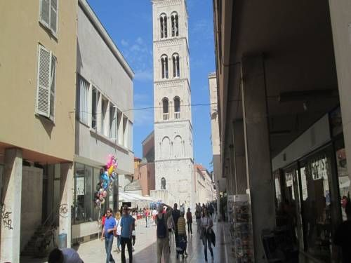 Guest House Marija Zadar Guest House Marija is situated in the Zadar Old Town district in Zadar, 100 metres from Zadar Archaeological Museum.  Every room comes with a flat-screen TV with cable channels. Every room includes a private bathroom.