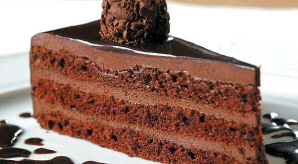 If you love baked goods, but measuring out ingredients to a T isn't exactly your thing, you might find that soda cakes can help ease your aversion to the science of baking  mostly because they're flippin' easy to make.